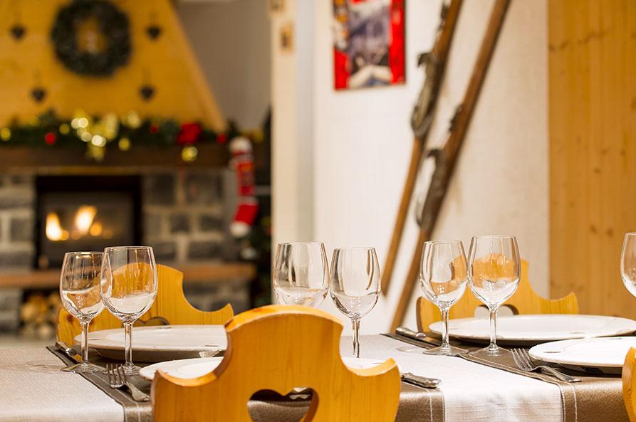 Hermine Blanche-restaurant-fireplace
