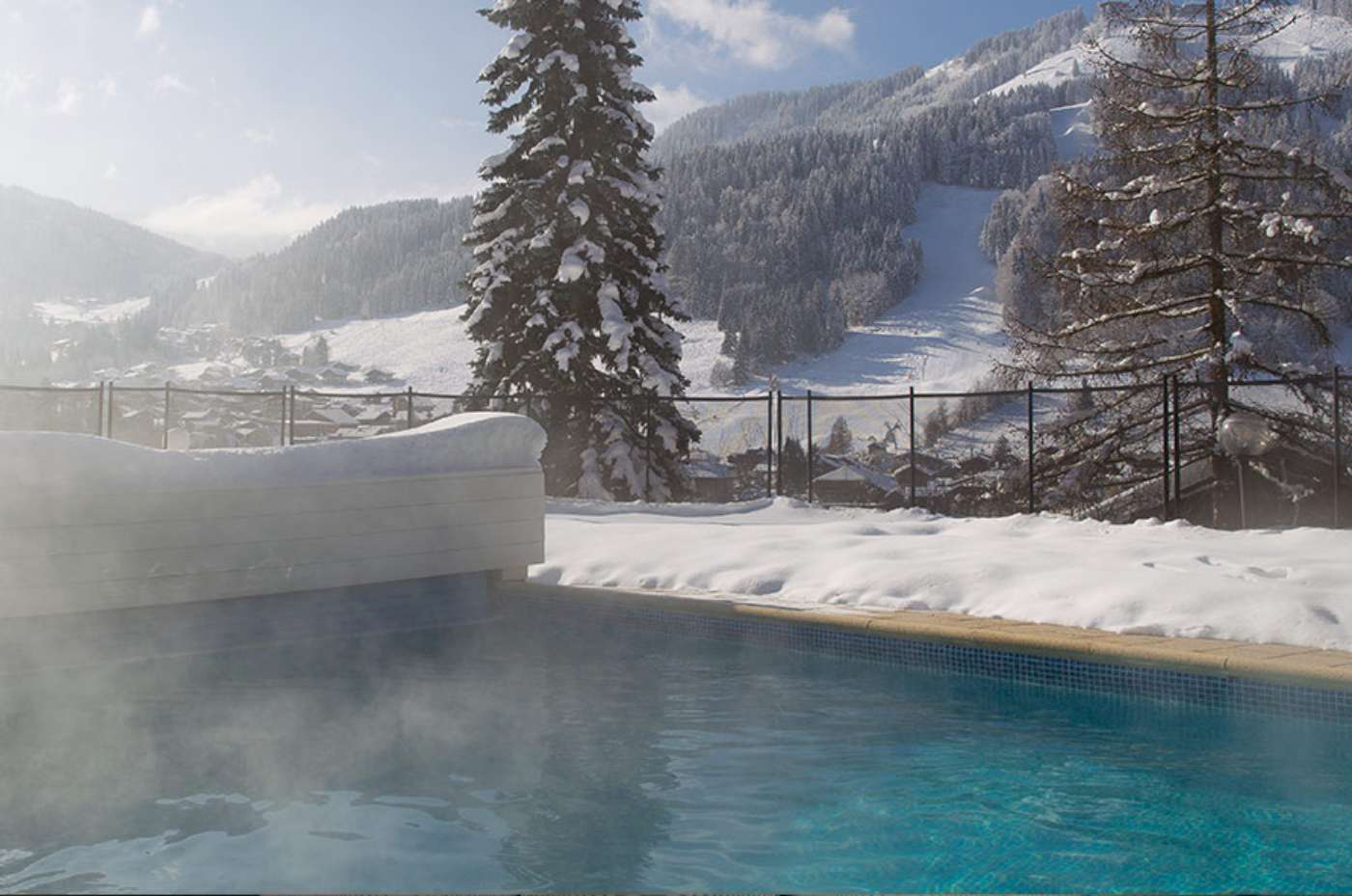 Hermine Blanche-Outdoor-snow-pool 2
